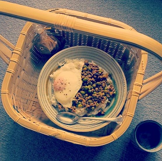 長岡由記さんの竹籠と昼飯