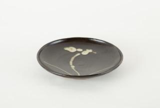 花紋皿 黒