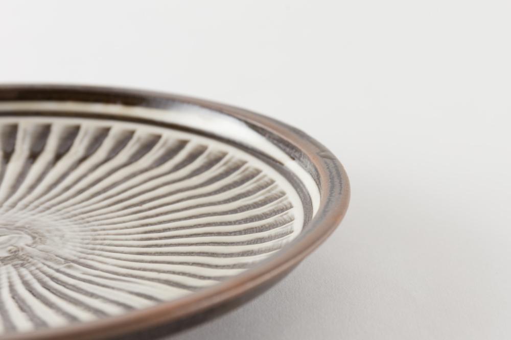 7寸ベタ皿 刷毛目