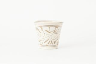 フリーカップ 小/白唐草線彫