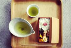 【今日のごはん】お弁当+お茶