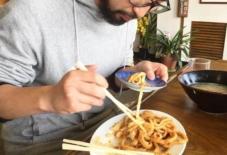 【日々のこと】伝統工芸振興アイドルmonpers、きなこうどん食べるの巻。