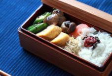 関内潔さん、木のお弁当箱。