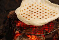 米せんぺいと火鉢