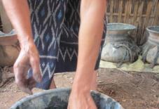 【企画展】ラオスの伝統衣装「シン」