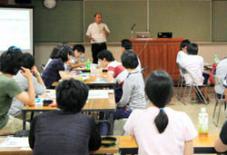 九州大学の学生、八女散策。