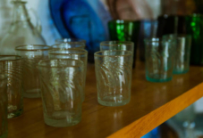 【企画展】8月2日スタート!裏山の石から生まれる 緑のガラス工芸展
