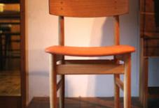 山口和宏さんちへ椅子を見に。