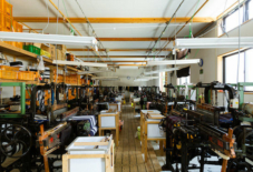 【もんぺ博特集】つくる力、売る力。変化してきた伝統産業の流通構造と、新しい織元のかたち。/ 織元インタビューシリーズ #6 丸亀絣織物