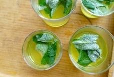 【日々のご飯と器の記録】ミント茶 八女茶とミント レシピあり