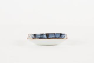 縞格子角豆皿