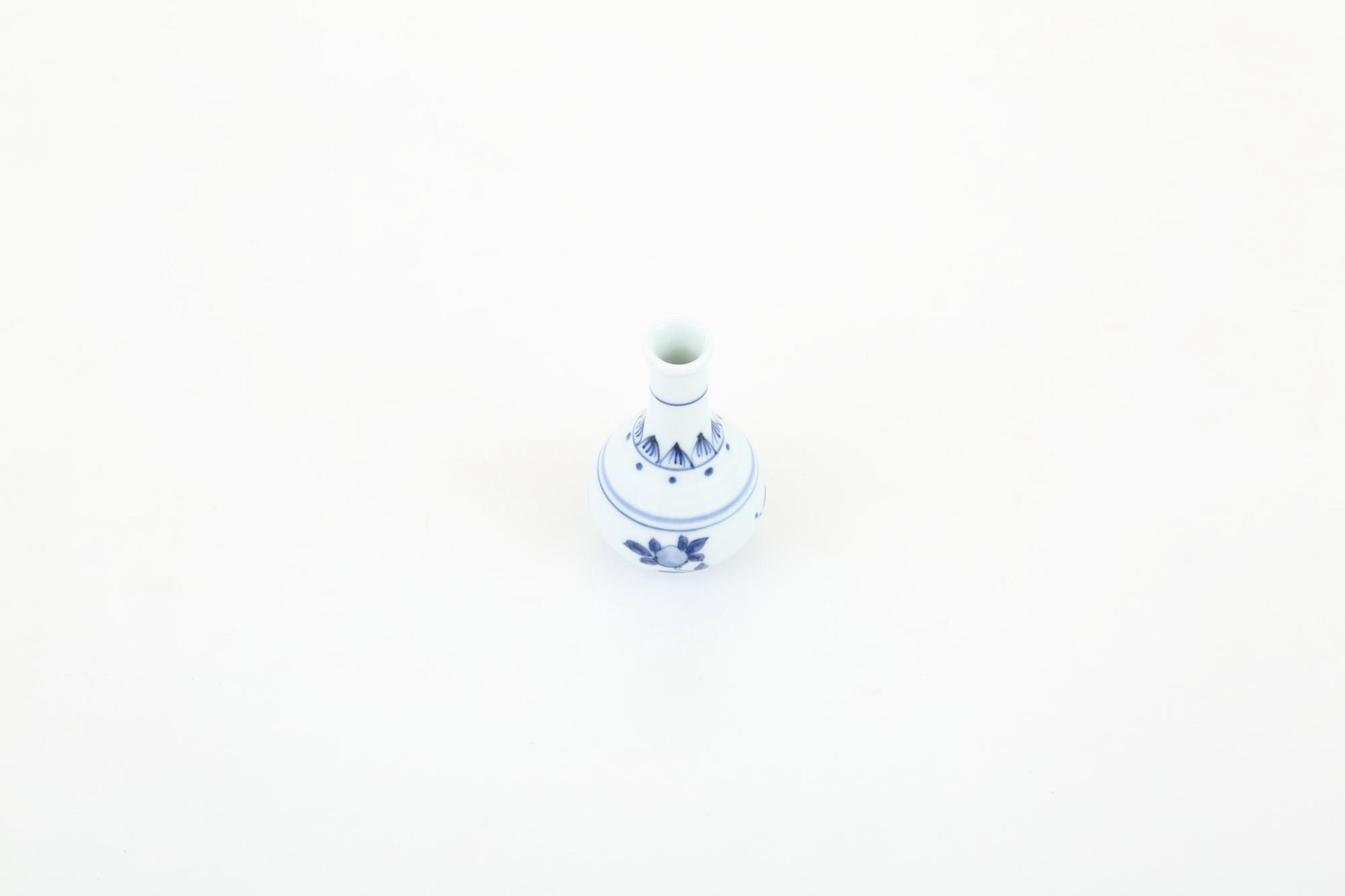 染付 筍型涙壷