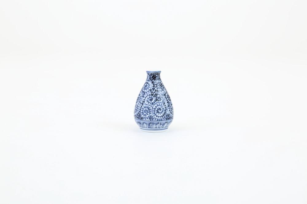 染付 梅瓶型涙壷