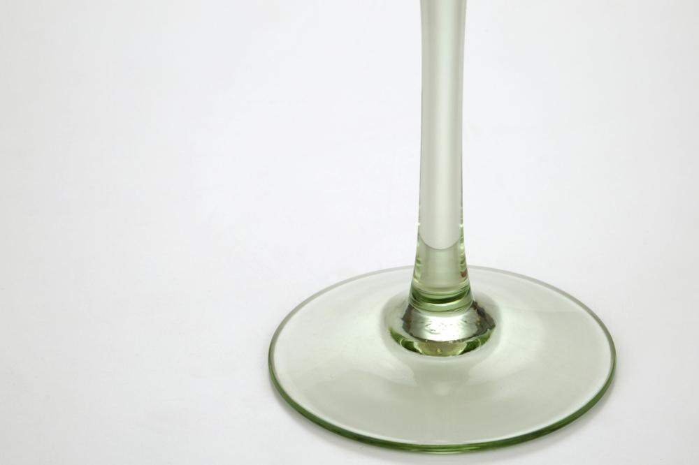 新型ワイングラス大